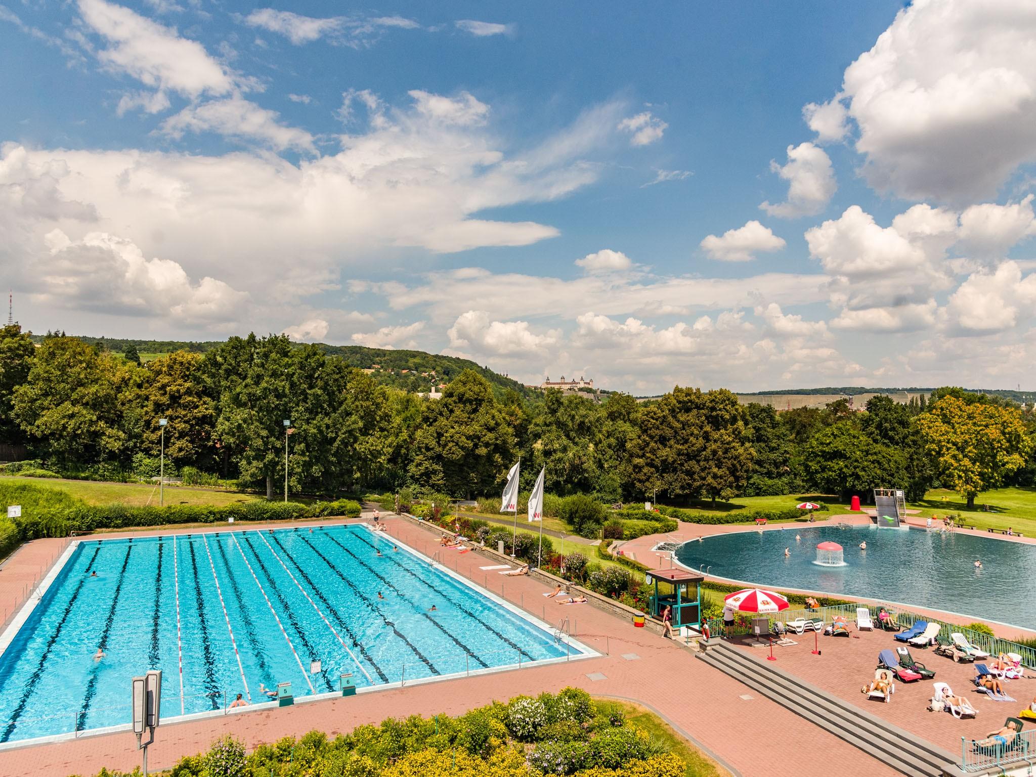 Auch in diesen Sommer kann man im Dallenbergbad die Freizeit genießen! Foto: Papay Landois GmbH